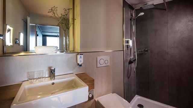 Beispiel: Badezimmer Deluxe-Doppelzimmer